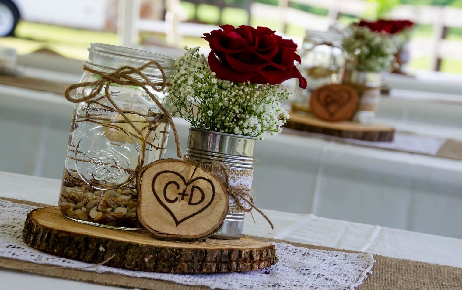 wedding centerpieces with mason jars and burlap
